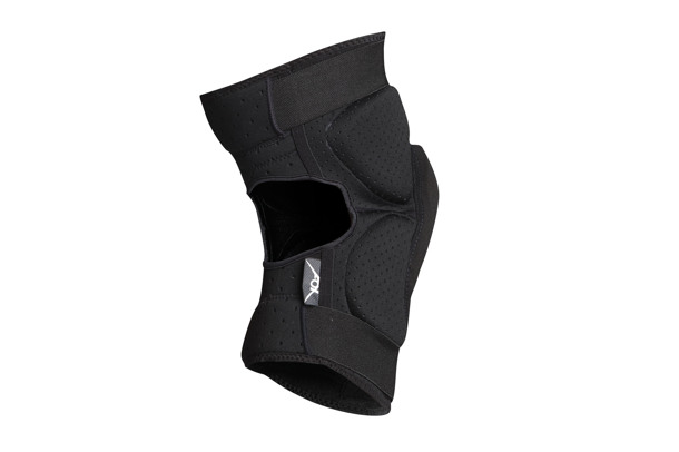 LAUNCH PRO knee protectors